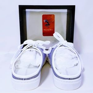 "Liz Claiborne Shoes - Liz Claiborne Slip on ""Wayna"" Sneakers size 8M💋"